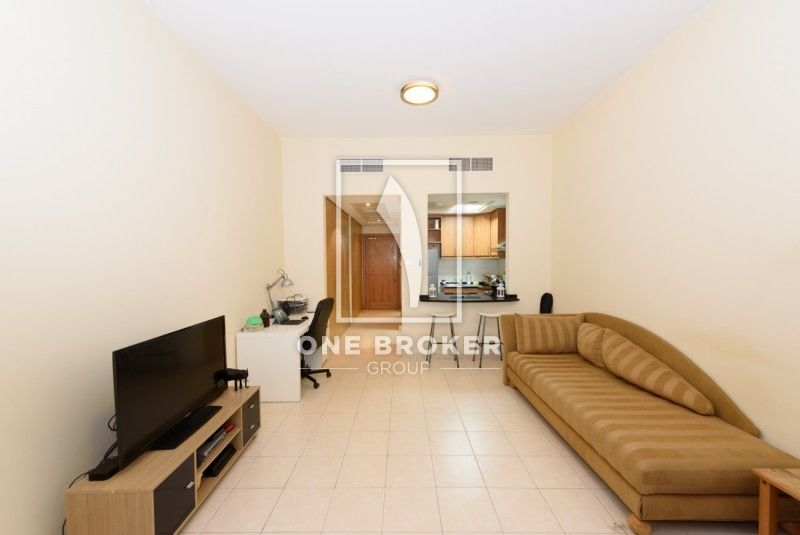 Studio Apartments For Sale In Discovery Gardens Https Www Justproperty Com En Buy Townhouse Interior Furnished Apartments For Rent Fully Furnished Apartments