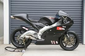 Ignore what it says on the fairing- this is another Honda CR500 supermono 2 stroke mental machine
