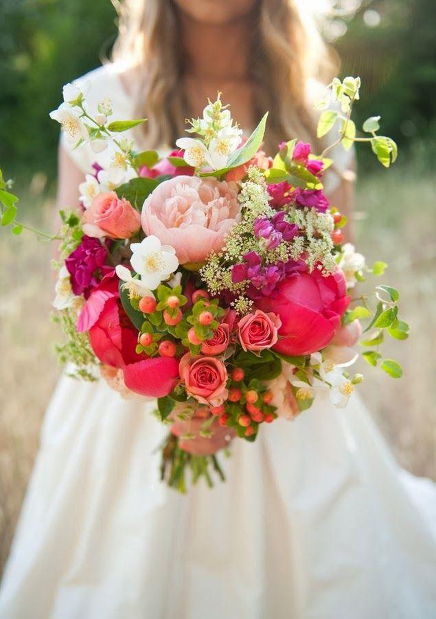 bouquet de la marie Jolies fleurs et autres baies Wedding