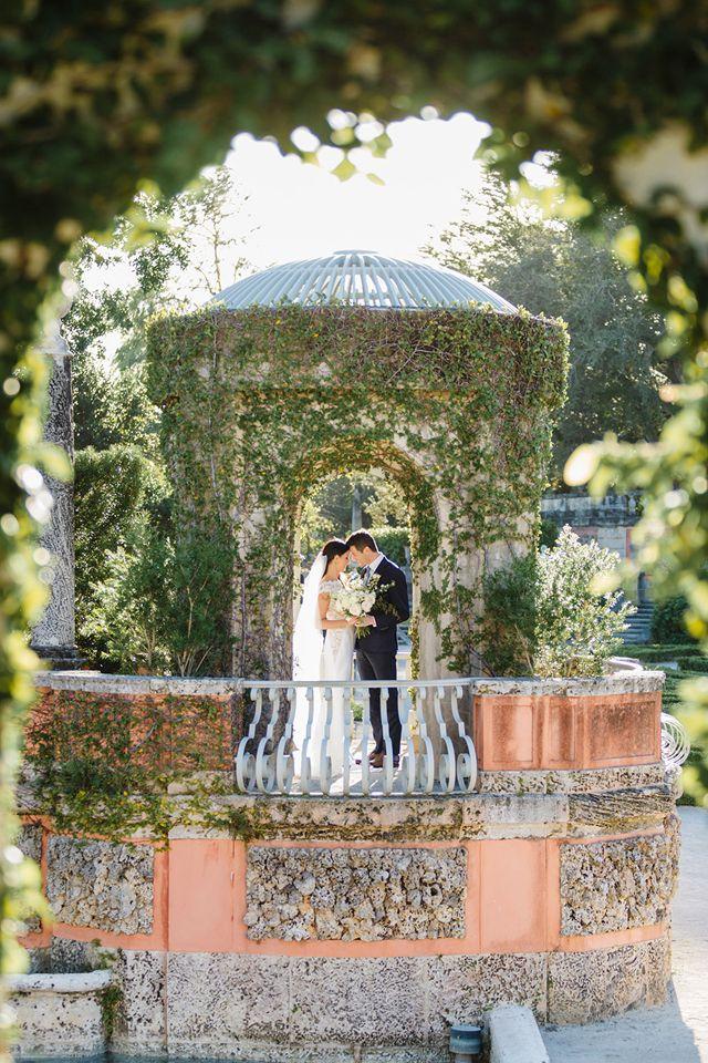 Glamorous Miami Wedding At Vizcaya Museum Gardens Vizcaya Wedding Miami Wedding Wedding Photography