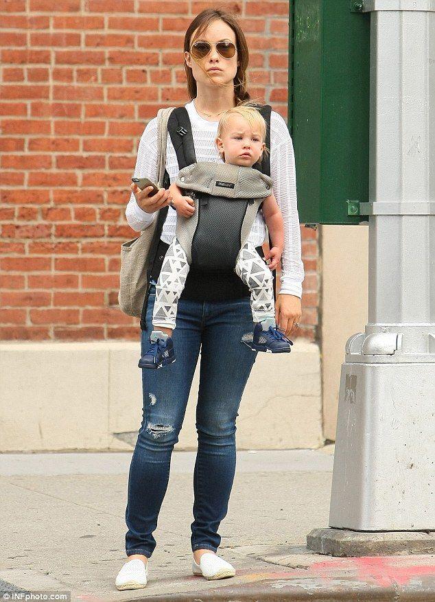 Olivia Wilde Straps Baby Otis To Her Chest As She Strolls In New York Olivia Wilde Olivia Wilde Style Olivia
