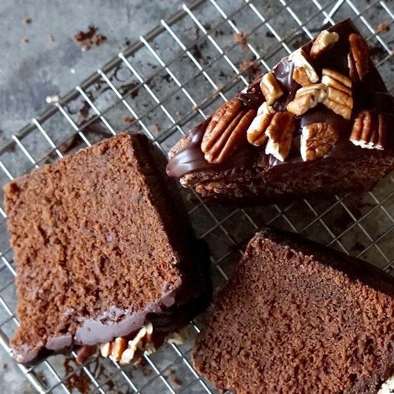 chocolate bourbon cake glaze