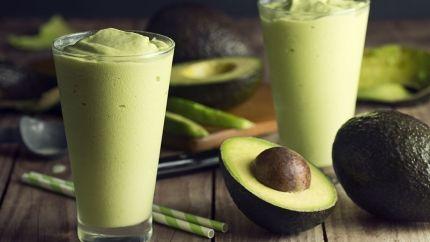 طريقة عصير الافوكادو بالحليب Recipe Avocado Smoothie Recipe Avocado Banana Smoothie Avocado Smoothie