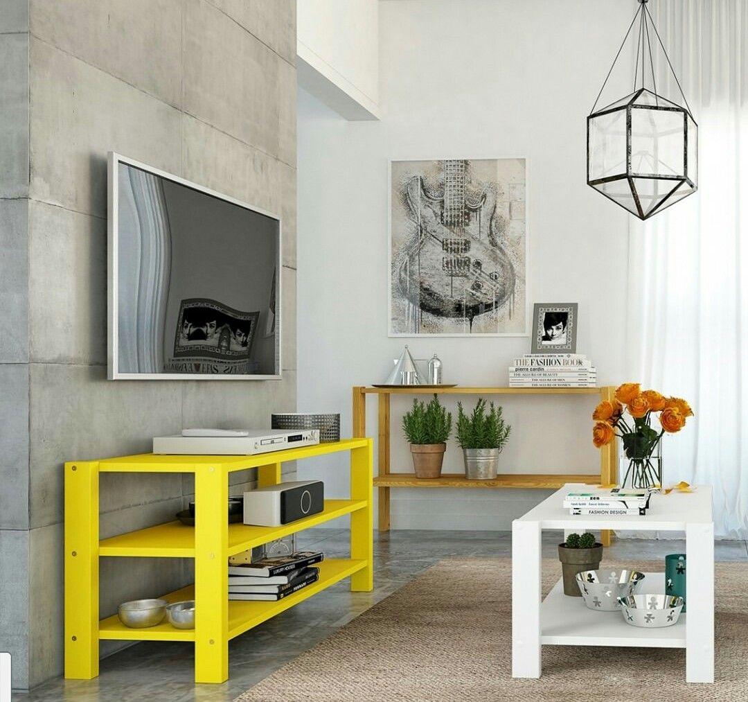 Amarelo, cor que trás vida a decoração.