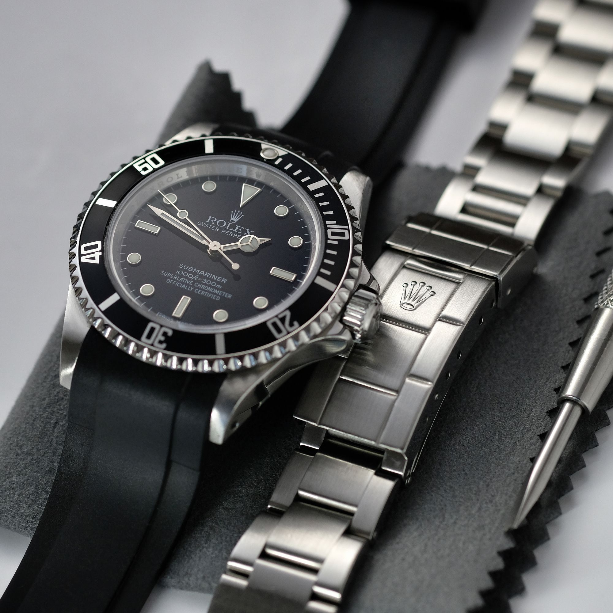 Rolex Submariner Without Date Curved End Rubber Strap 5 Digits Rolex Submariner Rolex Oyster Perpetual Date Best Watches For Men