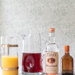 Cranberry Vodka Punch #vodkapunch Easy Cranberry Vodka Punch - Sugar and Charm Sugar and Charm #vodkapunch Cranberry Vodka Punch #vodkapunch Easy Cranberry Vodka Punch - Sugar and Charm Sugar and Charm #vodkapunch