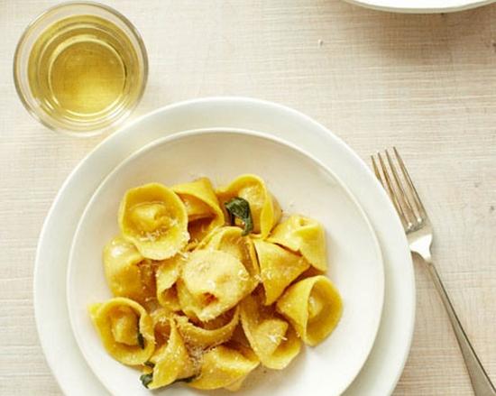 Tortelli tipico da italia conhe a as outras comitas for Pasta tipica italiana