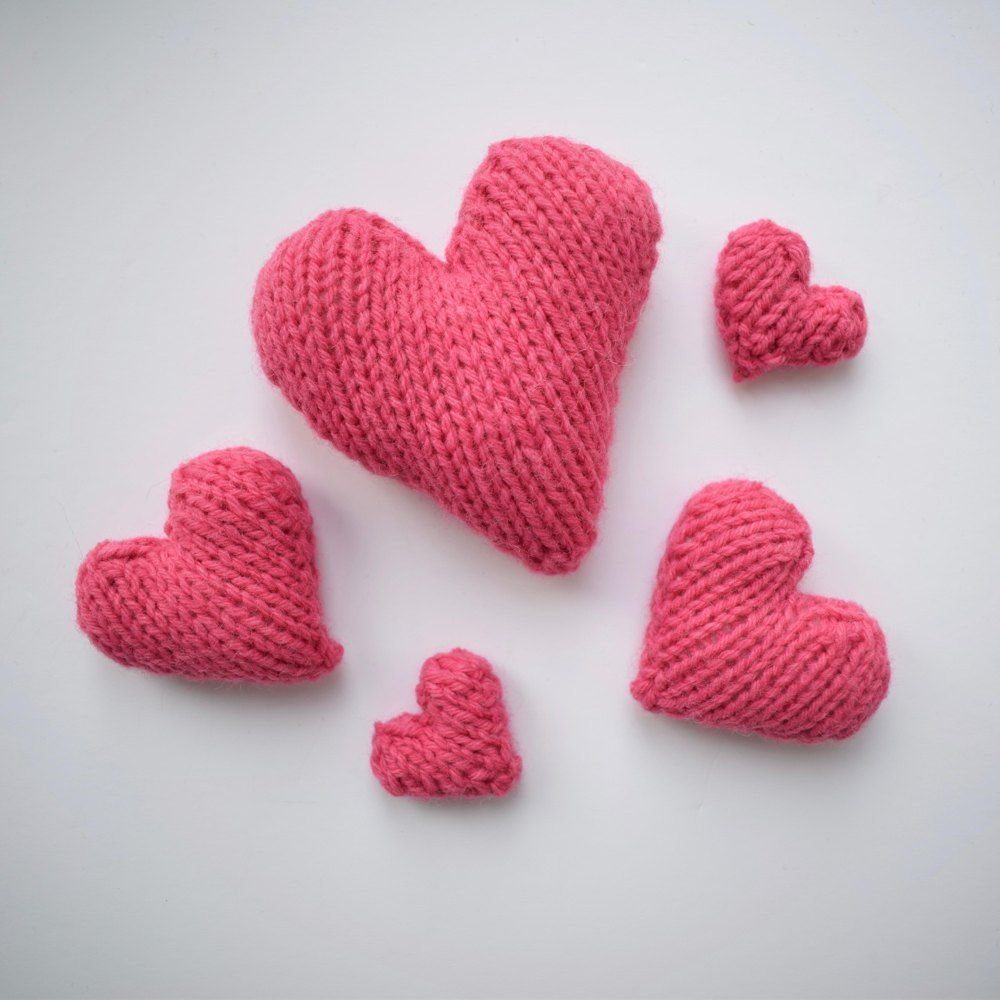 With this free pattern you can knit three sizes of love heart. You ...