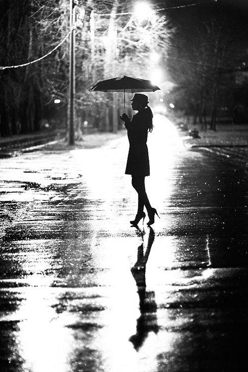 girlslovegoodinnuendo:  crescentmoon06666:  by Alexey Malshev  I love the rain…