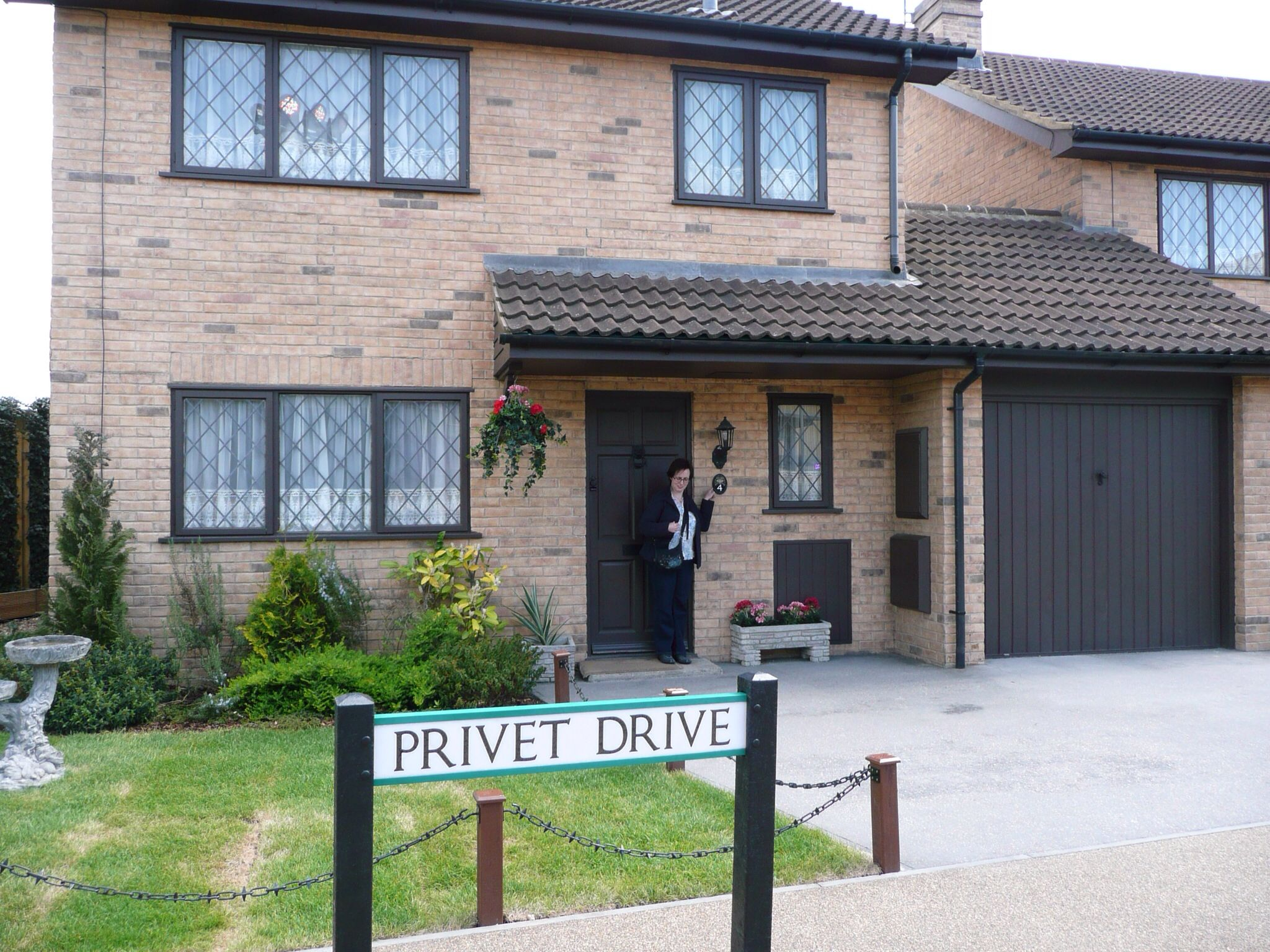 No 4 Privet Drive Little Whinging House Styles Outdoor Decor House