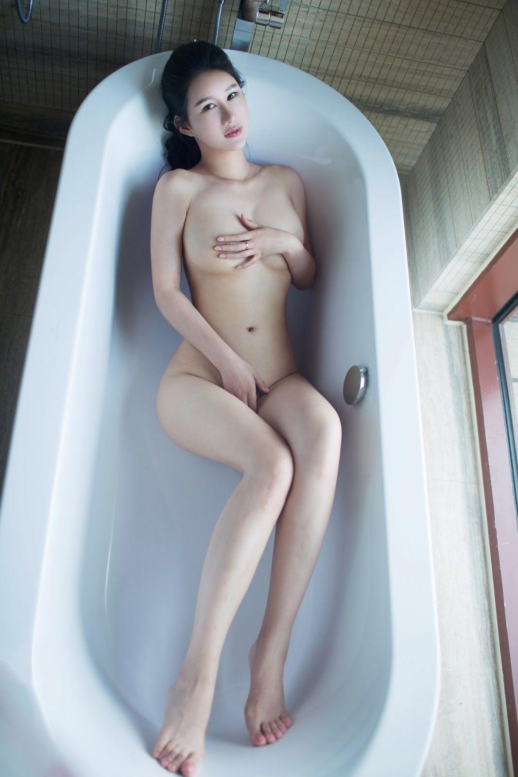 Free pics naked midget women