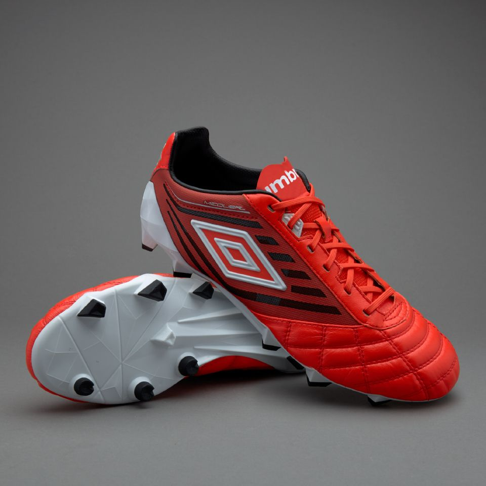 Watch - Cleats Umbro black video