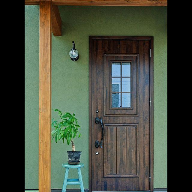 玄関 入り口 照明 ナチュラル Maman オリーブ などのインテリア実例