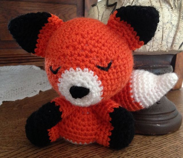 Ravelry: Amigurumi Fox pattern by Eden Dintsikos free | Basenji (and ...