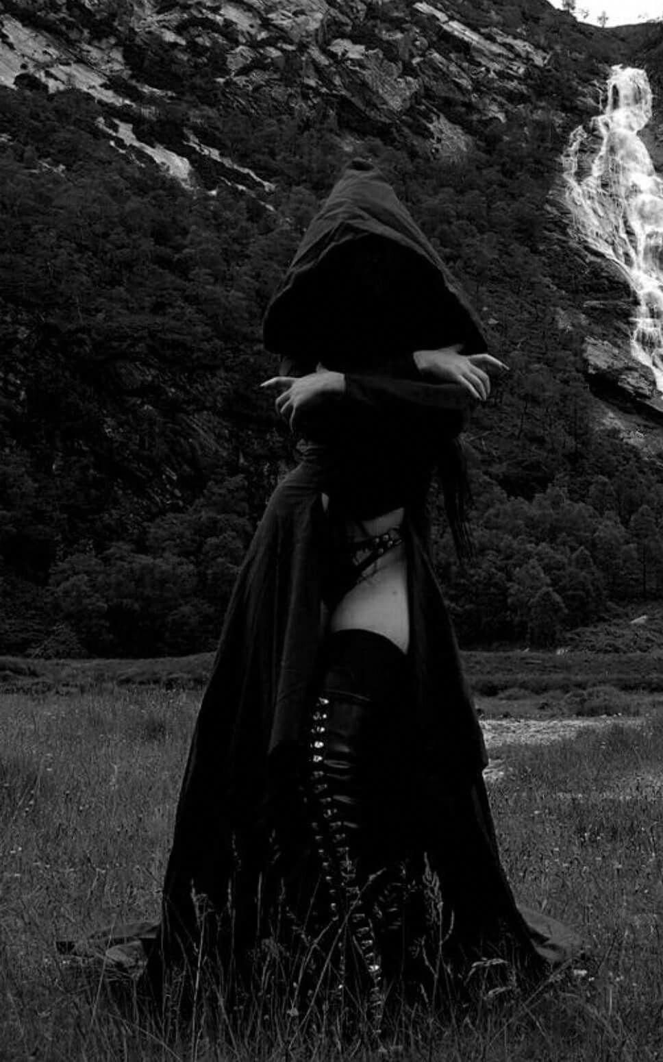 Gothic Fashion. For Those People Who Get Pleasure From
