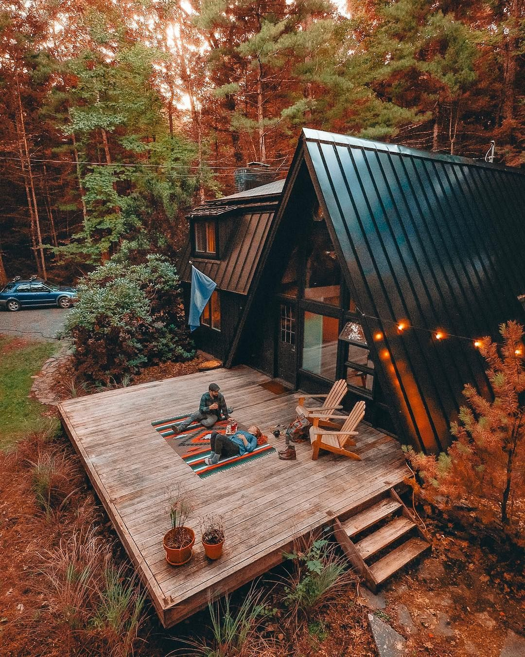 Photo of 40 Cozy Cabins and Tiny Homes That Are the Perfect Escape for Your Next Friendcation