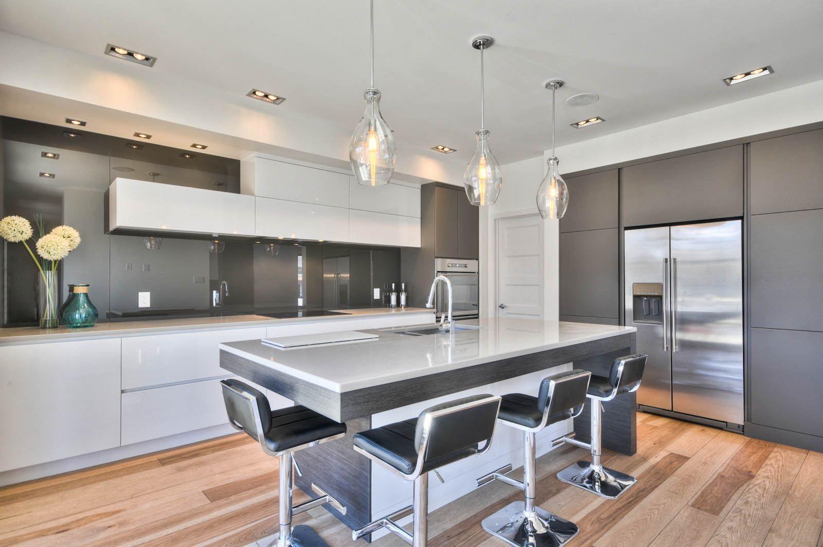magnifique cuisine contemporaine. | spaces | maison, cuisine