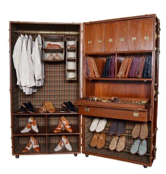 Malle dressing pour chemises chaussures v tements etc repose sur 8 roulettes de transport h - Porte chemise dressing ...