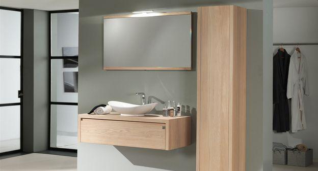 Aither minimalistisch en modern badkamermeubel met kolomkast en