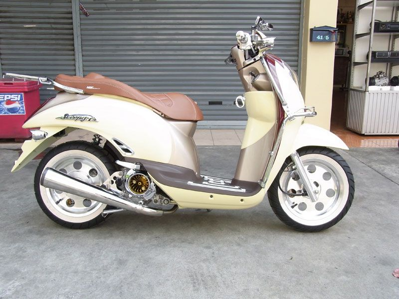 Scoopy I Classic Style Honda Scooters Motor Mopeds