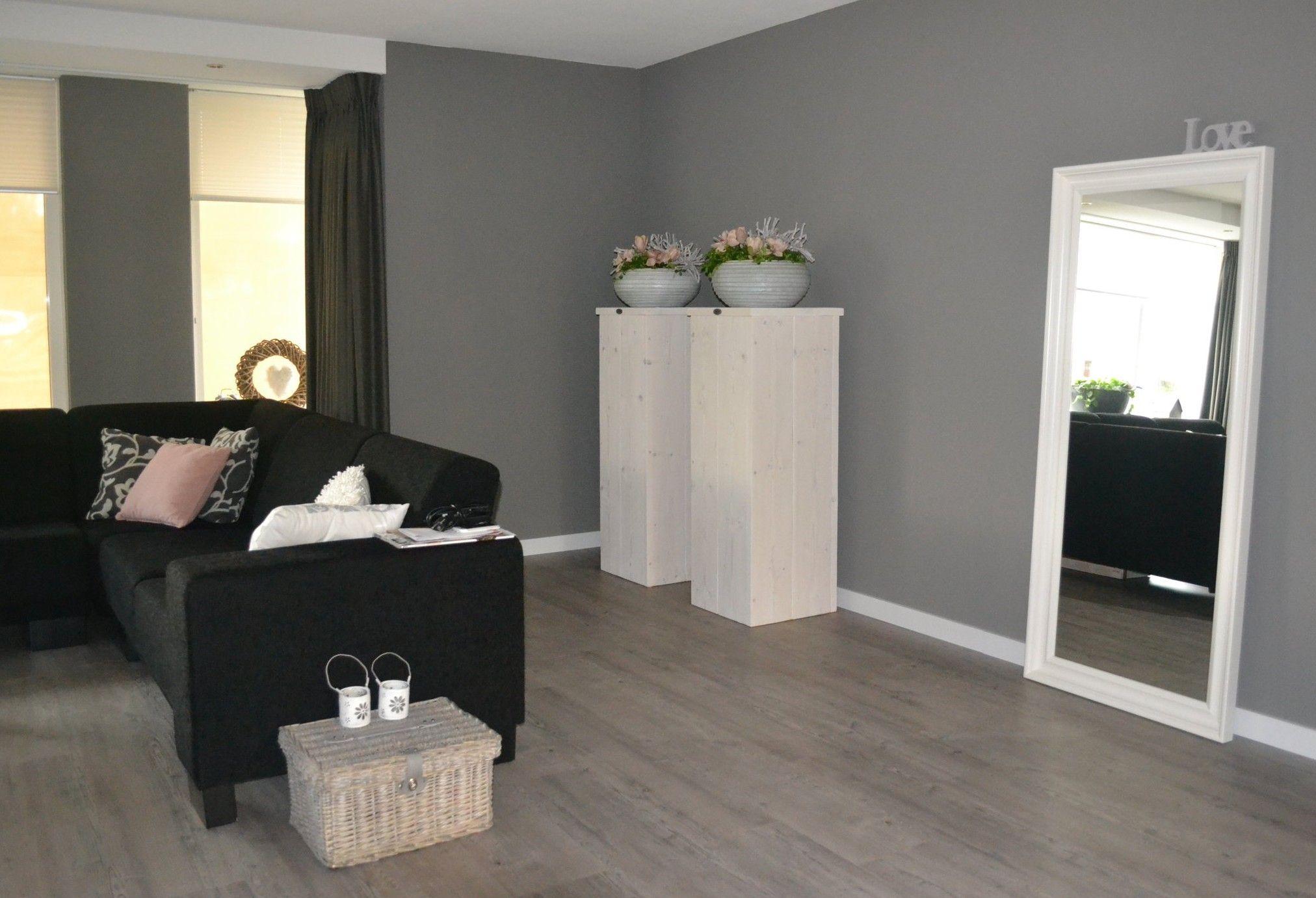 goed idee: zuilen in je woonkamer met mooie potten erop!   Sokkel ...