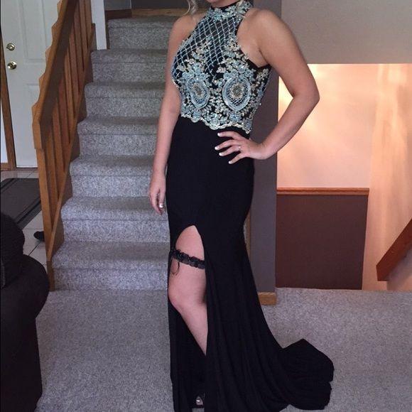 Sherri Hill Exclusive exclusive Sherri Hill prom dress. $175 on merc!! perfect condition. worn once. Sherri Hill Dresses Prom