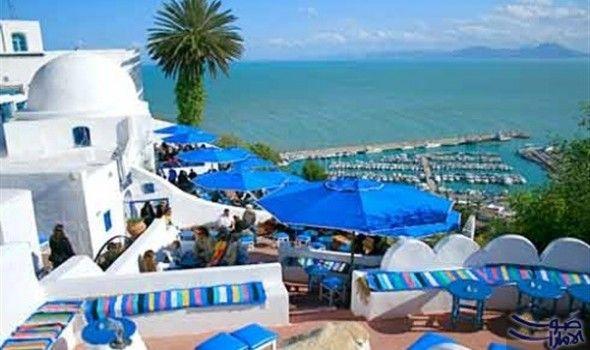 تراجع عائدات السياحة التونسية بنسبة 8 4 في ذكر المعهد التونسي للمنافسة والدراسات الكمية أن العائدات السياحية لتونس سجلت انخف Sidi Bou Said Beach Town Travel