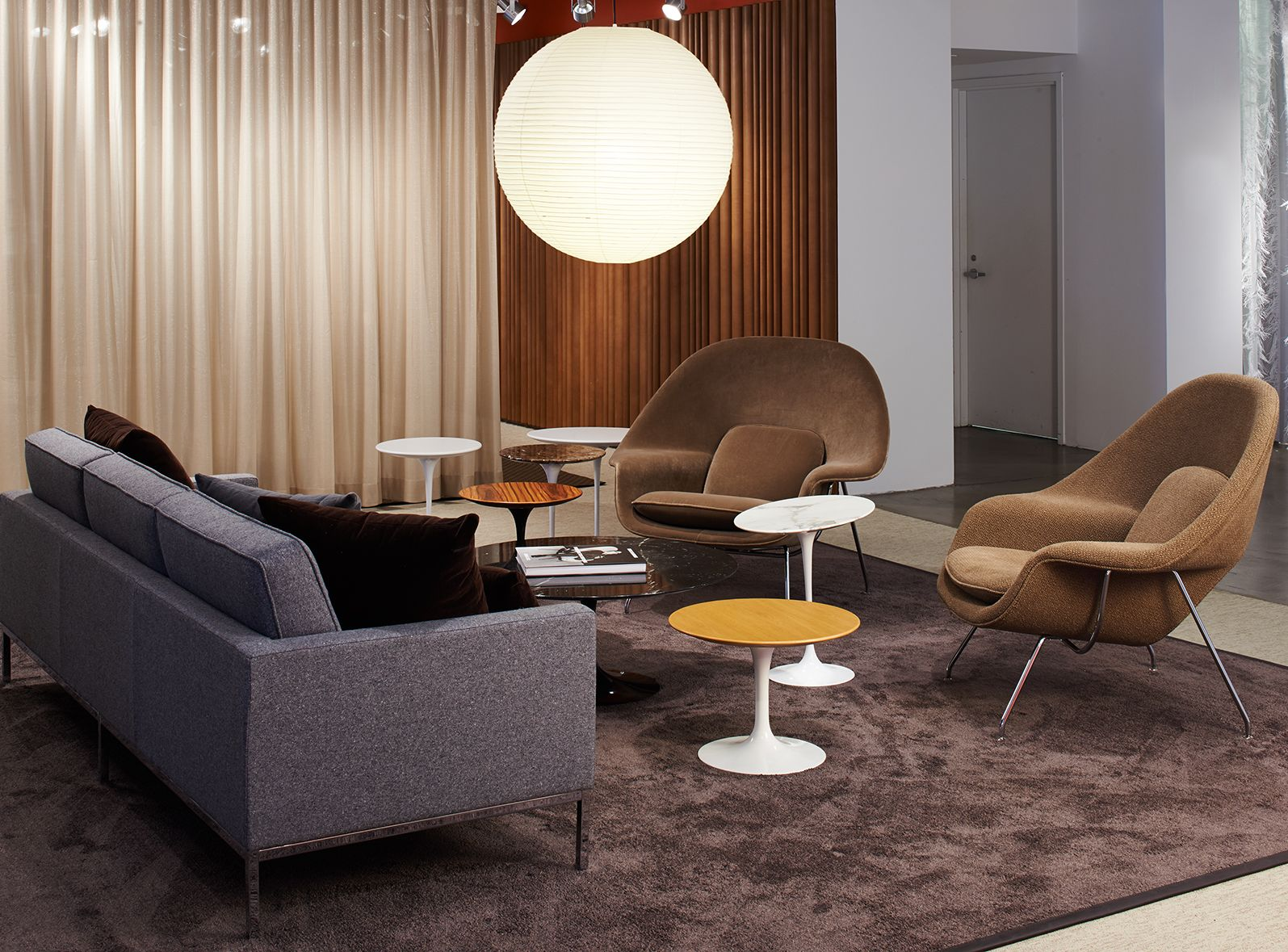 Womb chair living room - Saarinen Side Tables And Womb Chairs Tags Keywords Neocon 2014 Showroom Chicago Saarinen Side
