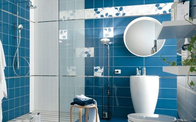 Fa ence salle de bains d clin e en 40 photos pour s for Faience salle de bain bleu et blanc