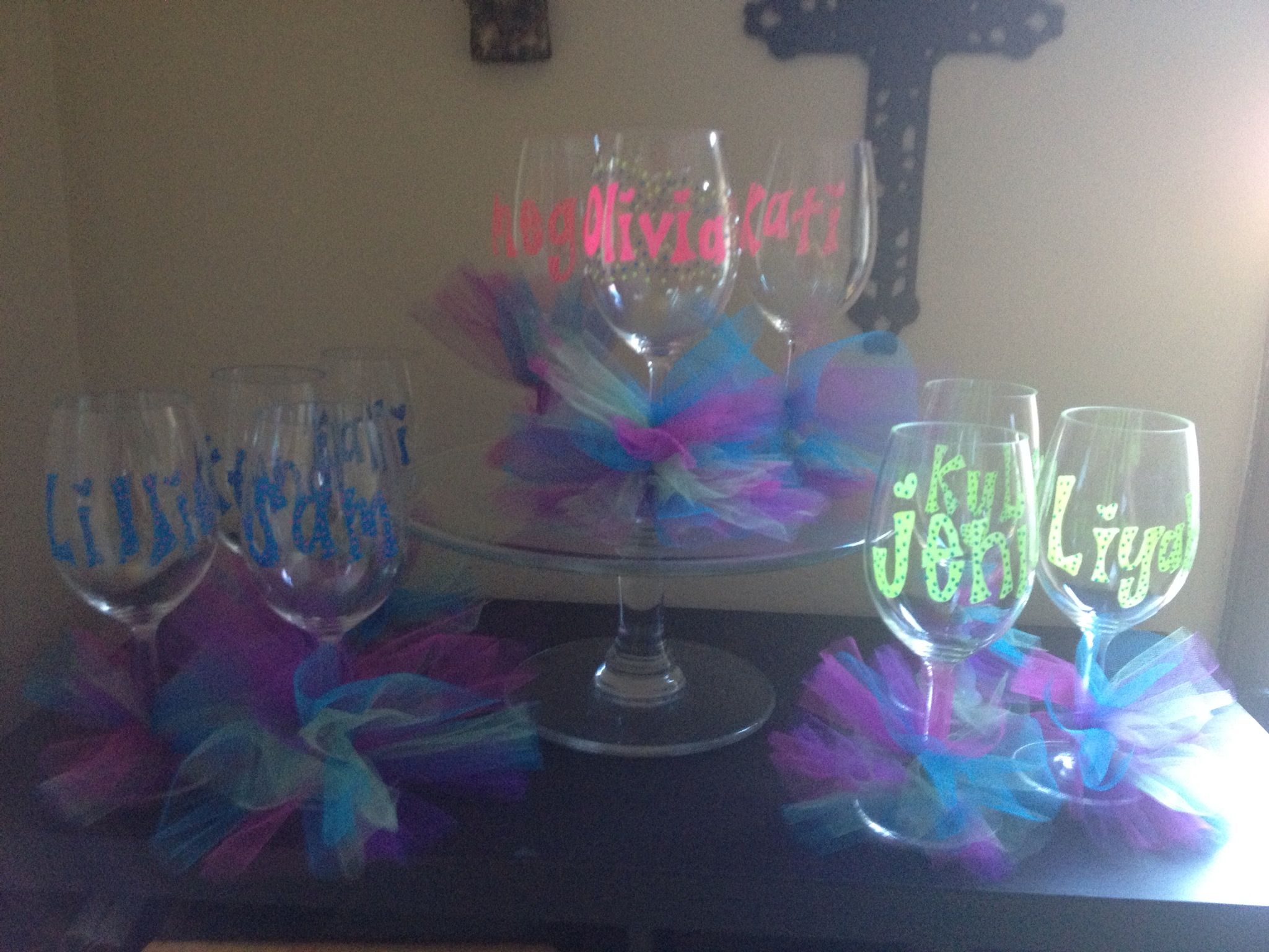 plastic wine glasses personalized & decorated with paint pens and