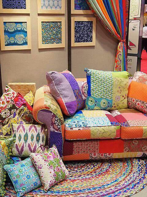 Love this bright colored boho patchwork sofa reciclagem for Indische sofas