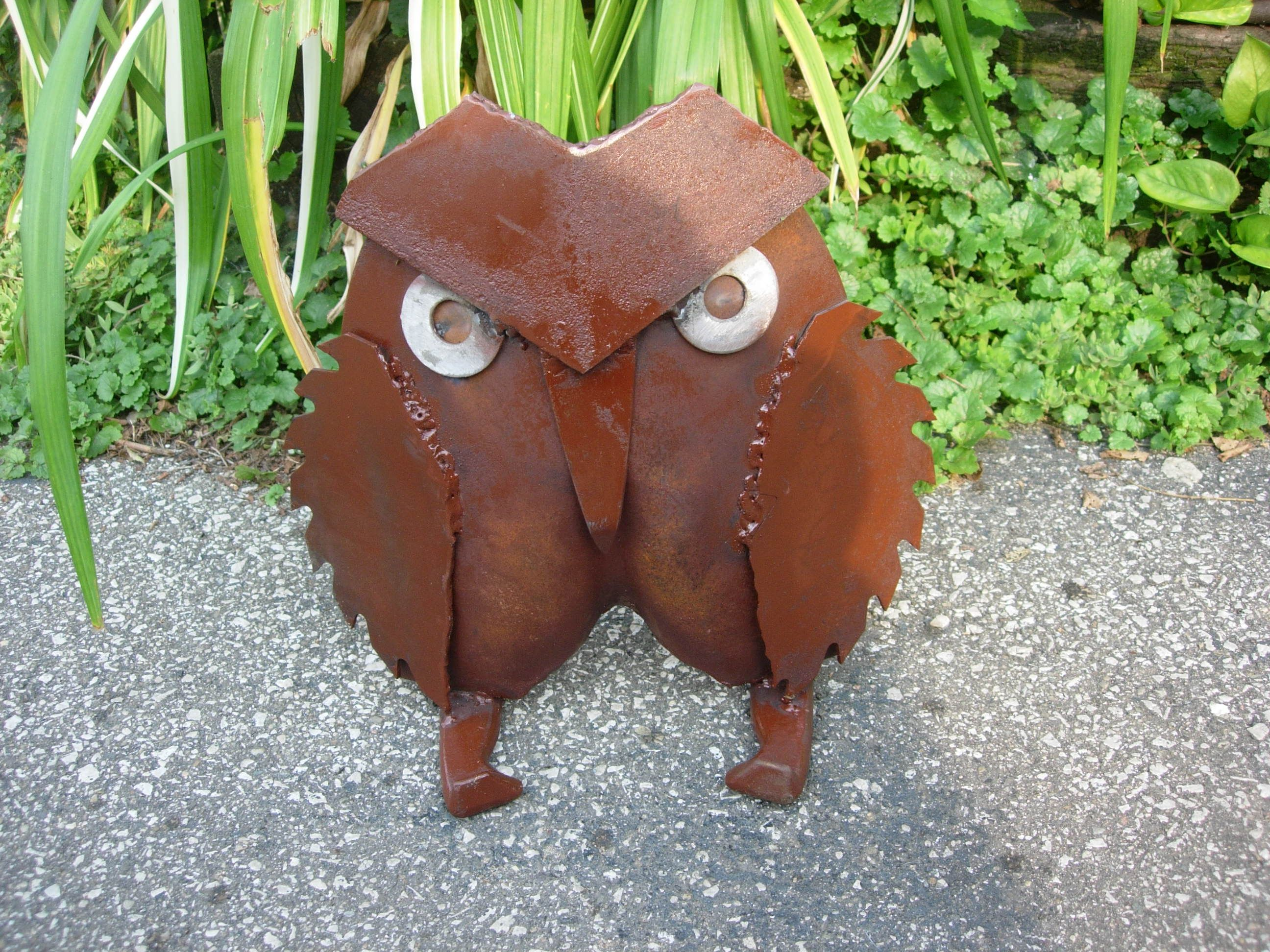 Owl lawn ornaments - Shovel Owl Made From Horse Shoe Circular Saw Blades