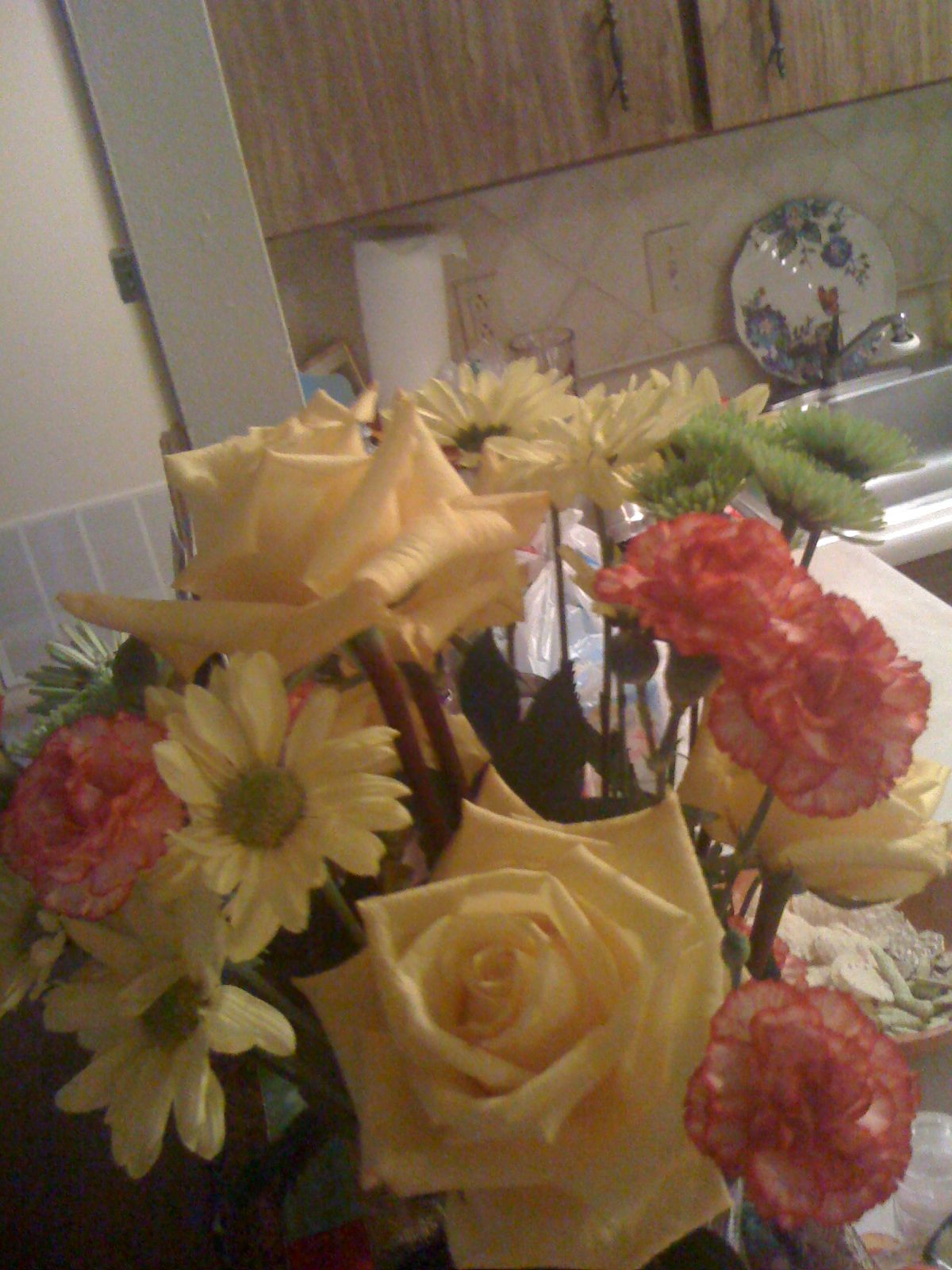 Beautiful yellow roses from my dear friend. Did not know