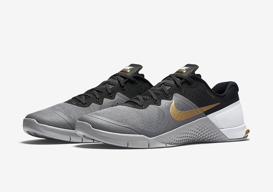 Nike Metcon 2 grey gold