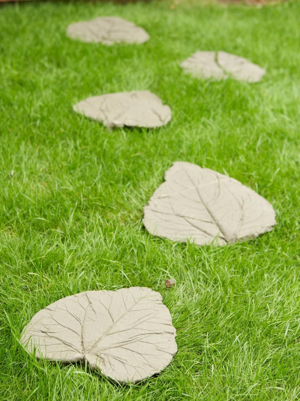 Communication on this topic: How to Make Leaf Stepping Stones, how-to-make-leaf-stepping-stones/
