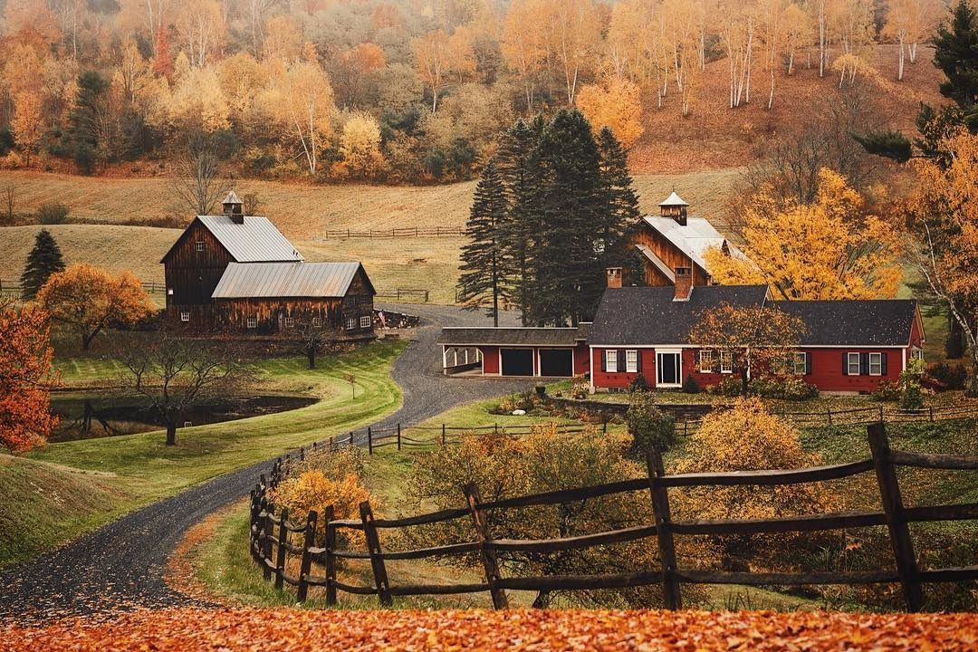 Frequent Flyers Agree These Are The Best Places To Visit During Fall New England Fall Foliage Cool Places To Visit Fall Vacations