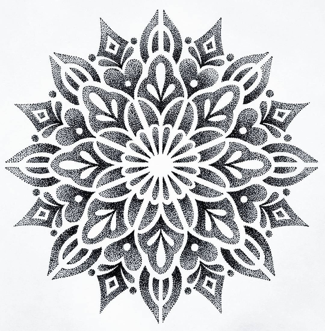 222 vind-ik-leuks, 7 reacties - Siarn Engels (@siarnthecatwitch) op Instagram: 'Just finished drawing this mandala that I would love to tattoo Email me at…'