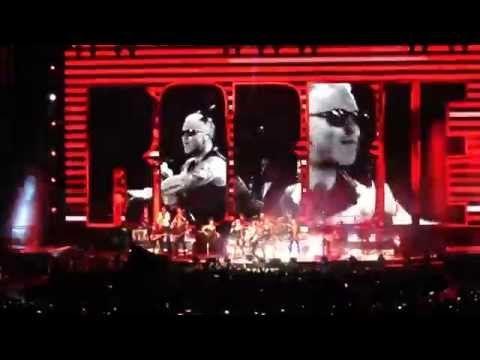 Let Me Entertain You (Start Tour 2015) | Robbie Williams (Live Madrid) - YouTube