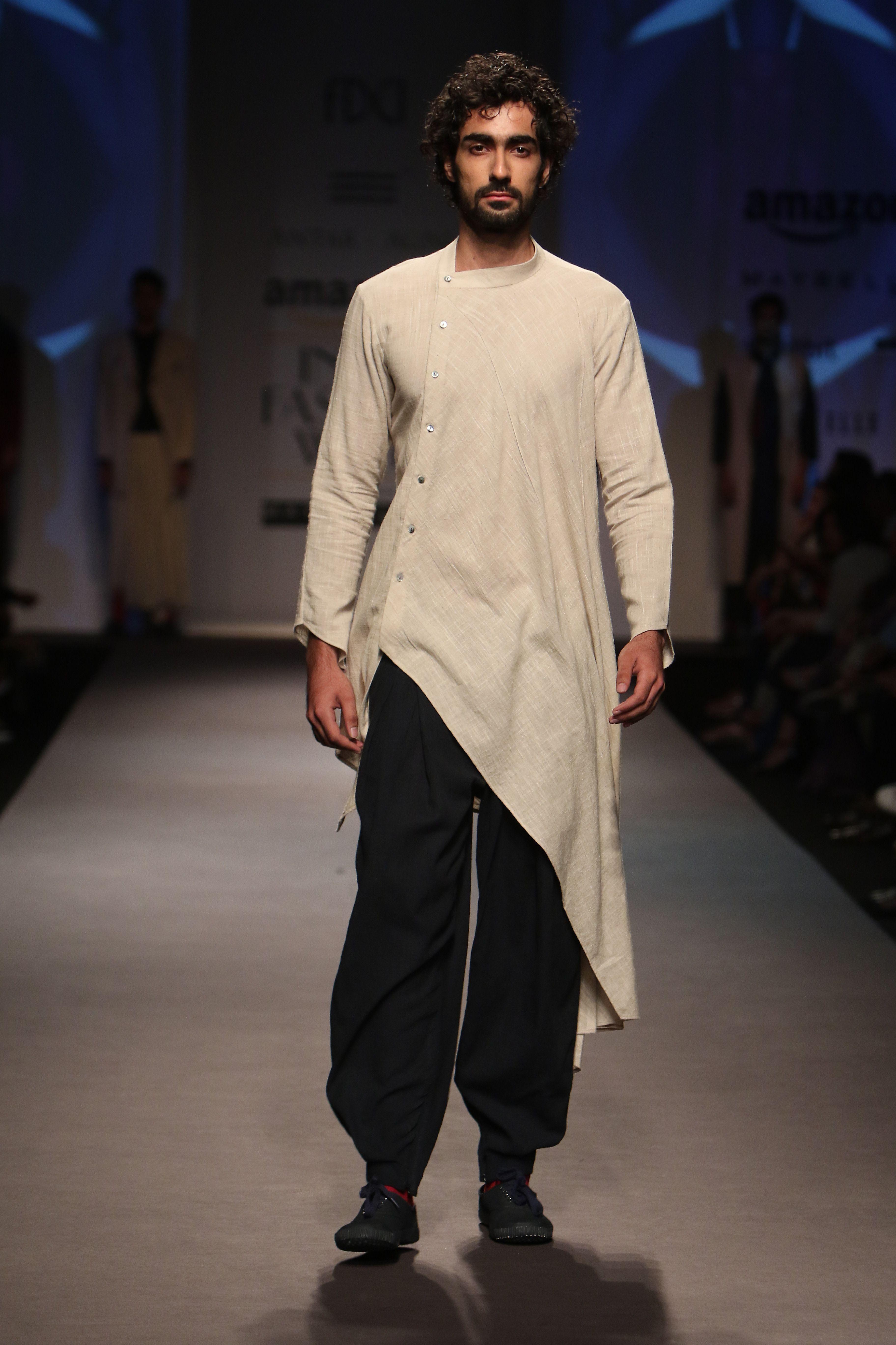 7e6168e9db b7fd6a9e9ae98c8347625745bb35358e.jpg (3648×5472) India Fashion, Indian Men  Fashion, Mens