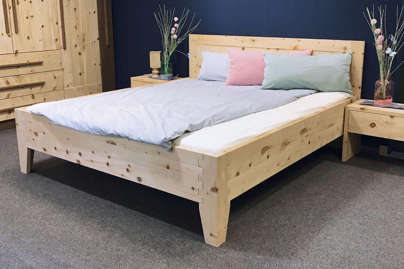 Metallfreies Bett aus Zirbenholz Original