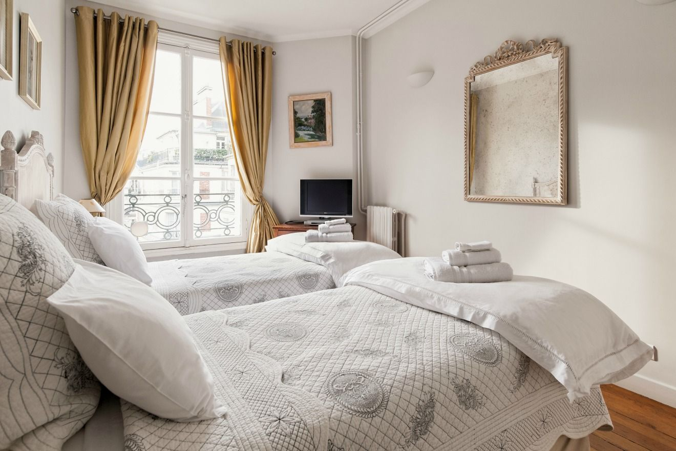 Book 3 Bedroom Short Term Apartment Rental Paris   Paris Perfect