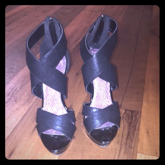 Steve Madden -madden girl shoes. Nice shoes, scuffed heels. Steve Madden Shoes Heels