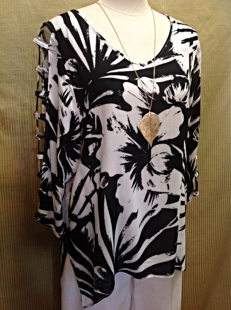 Cupio - Black and white lattice sleeve tunic  - $58