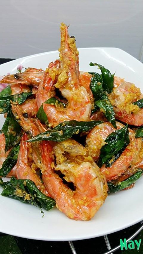 Singapore Home Cooks Crispy Butter Prawns By May Chong Prawn Dishes Butter Prawn Prawn Recipes