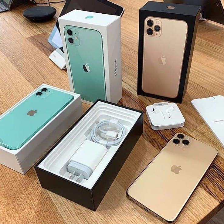 Iphone 11 Pro Vs Galaxy Note 10 This Is What A 1 000 Phone Buys You Today With Images Iphone Phone Cases Iphone Iphone Phone