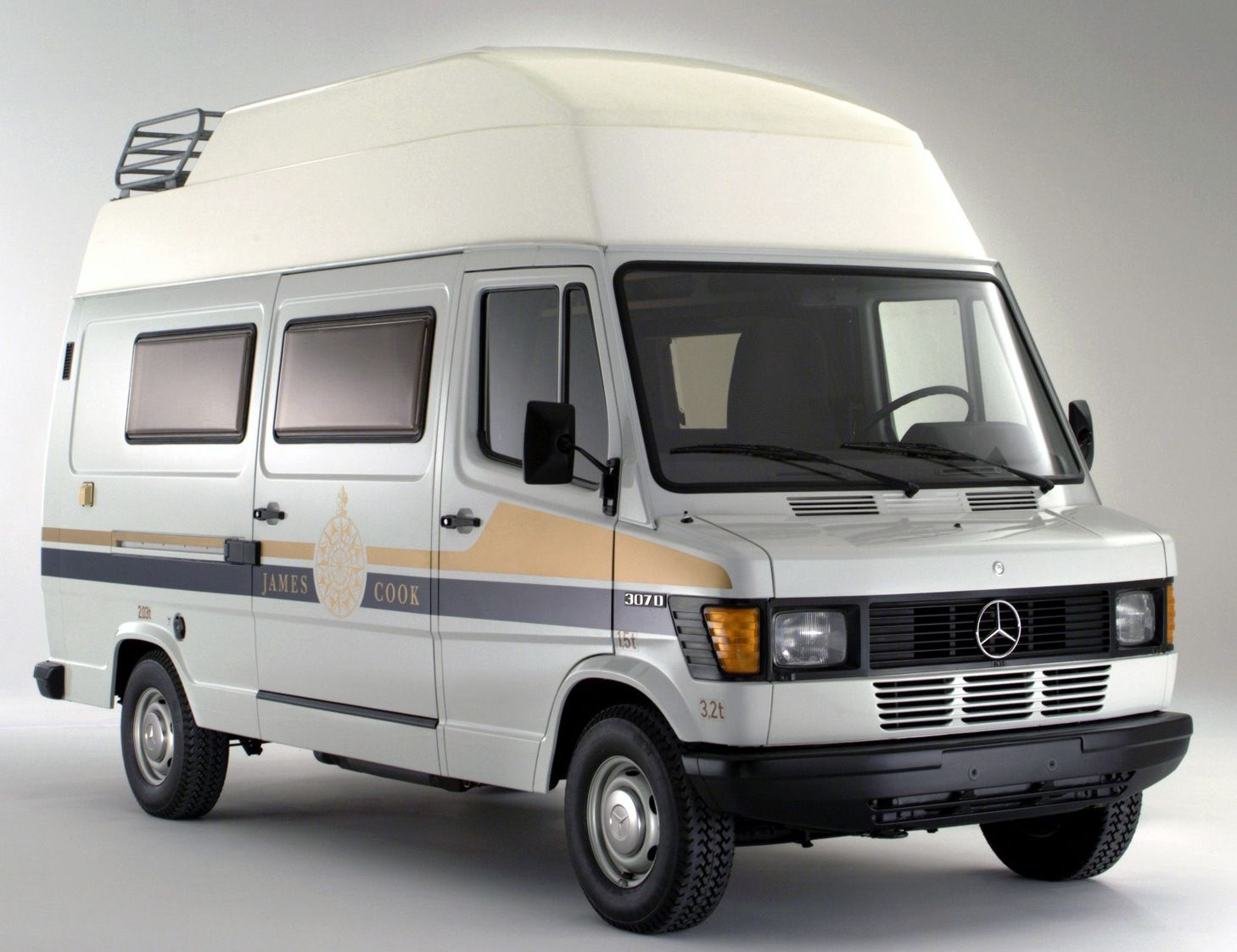 "Westfalia James Cook ""Basis:Mercedes Sprinter""  Fourgon aménagé"