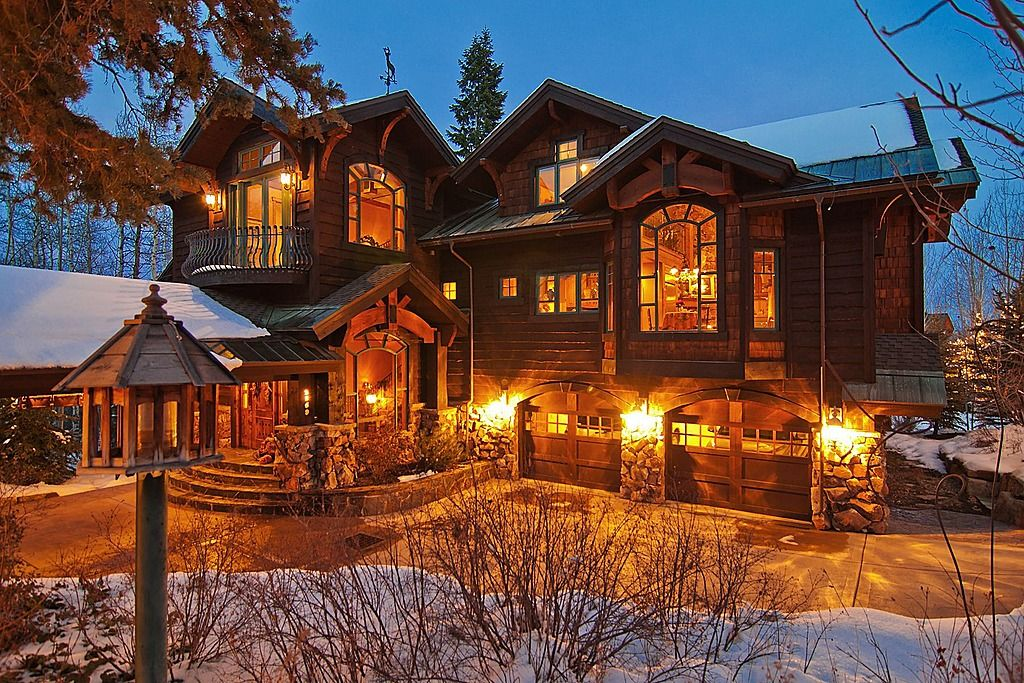Gorgeous High End Rustic Home Rustichomes Homes Homechanneltv Com Rustic Exterior Rustic Houses Exterior House In The Woods