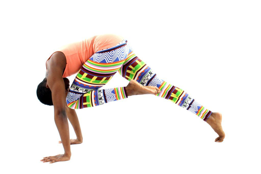 5 Beginner Yoga Poses for a Strong Core   Yoga for ...