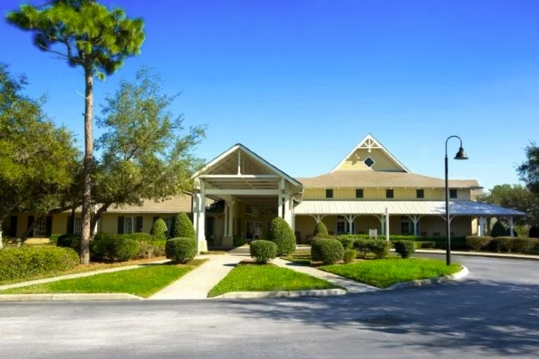 The 20 000 Sq Ft Clubhouse In Cresswind At Victoria Gardens Retirement Community House Styles Club House