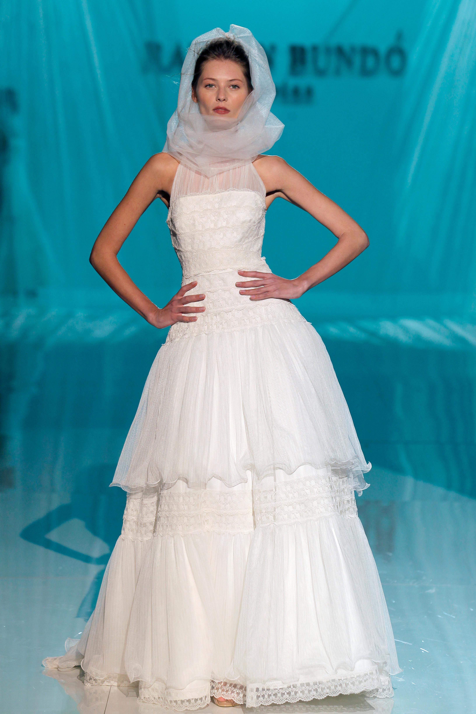 Vestido de novia colección 2018 de Raimon Bundó en Barcelona Bridal ...